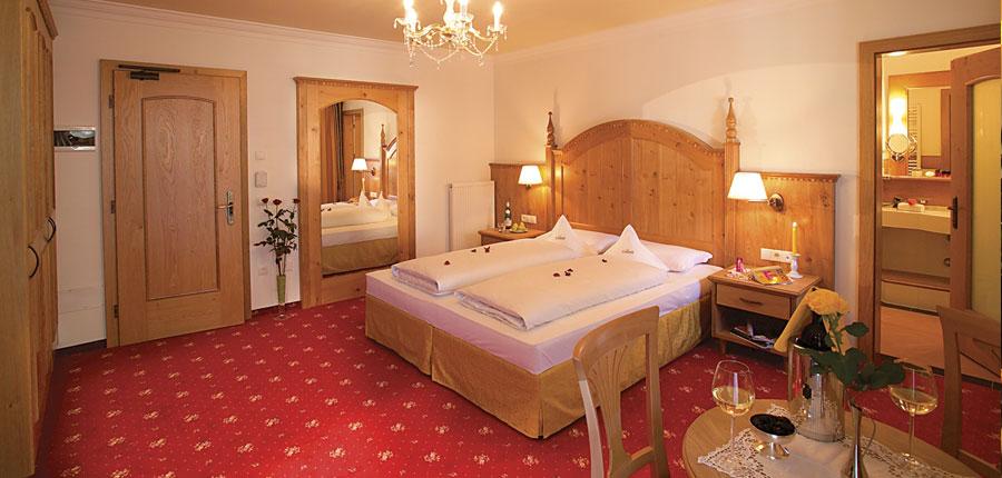 italy_dolomites_selva_hotel-oswald-bedroom.jpg